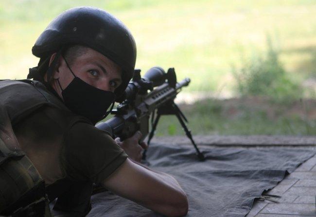 Нову українську снайперську гвинтівку випробували в справі курсанти Академії Нацгвардії 05