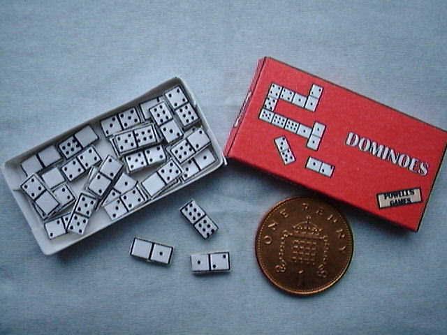 miniature dominoes