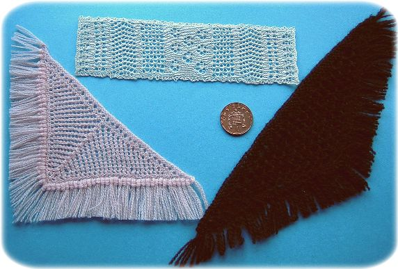 Pattern for miniature shawls