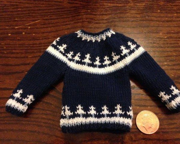 Knitted dolls jumper