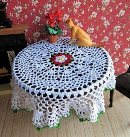 Pattern for a Tudor Rose tablecloth ur doily