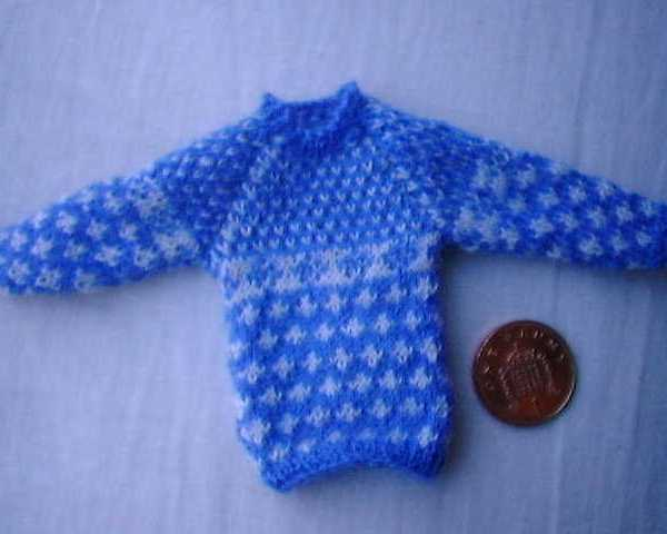 Pattern for a dolls jumper