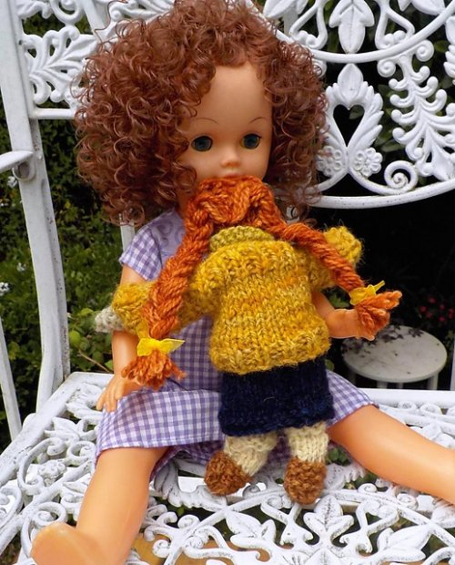 miniature knitted dolls
