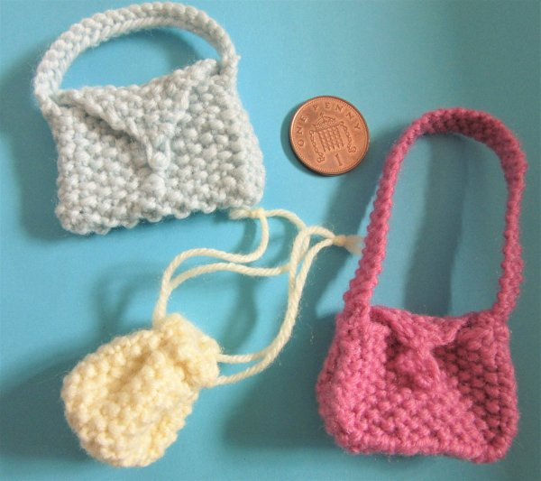 Miniature knitted handbags