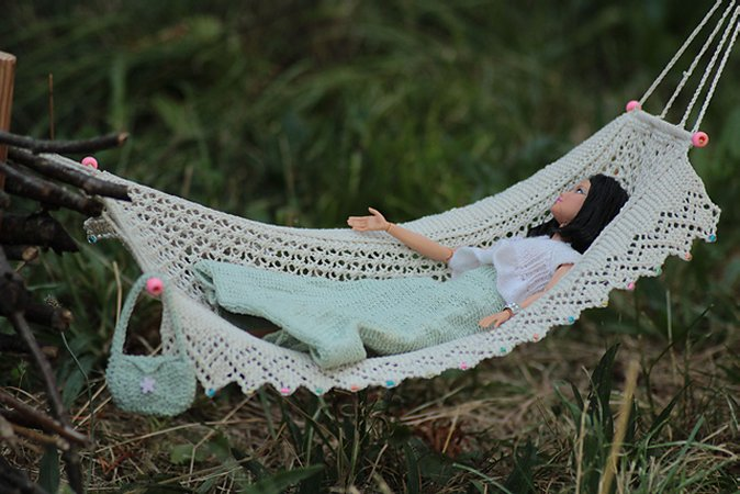 Miniature knitted hammock