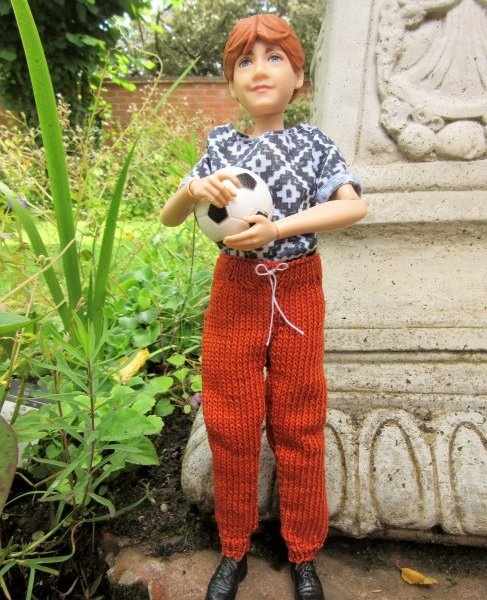 Miniature knitted jogging pants