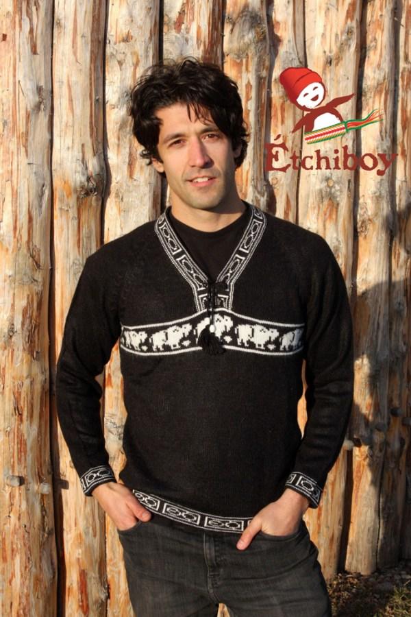 Black Sweater With Bisons Chandail Noir Avec Bisons Unisex 1