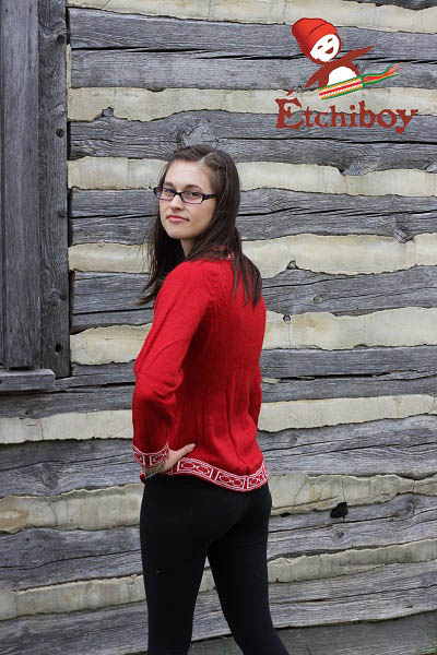 Red Sweater Chandail Rouge 2