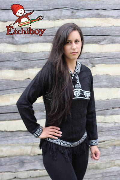 Hooded Black Sweater With Red River Cart Chandail Noir Avec Capuchon Avec Charrette 1