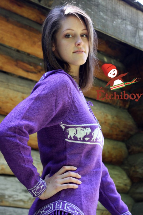 Hooded Violet Sweater With Bison Chandail Violet Avec Capuchon Avec Bisons 3