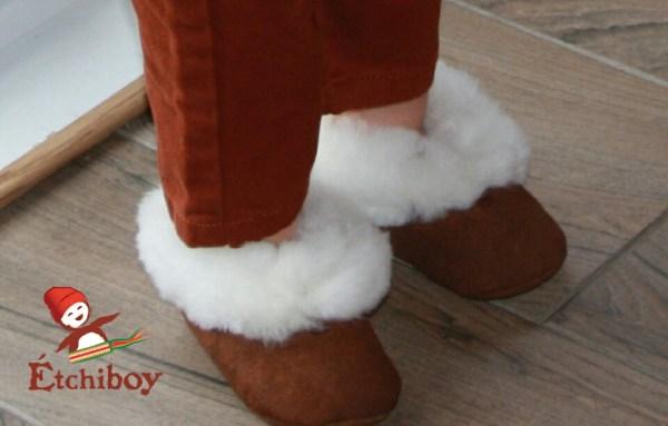 White Trim Toddler Slippers Pantoufles Bordure Blanche Pour Tout-petits 1
