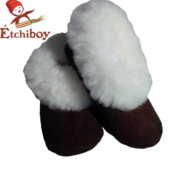 White Trim Adult Slippers Pantoufles Bordure Blanche Pour Adultes 1