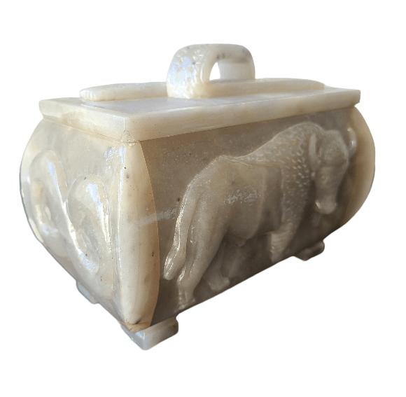 Étchiboy Carved Metis Box Coffre Métis Gravé 10