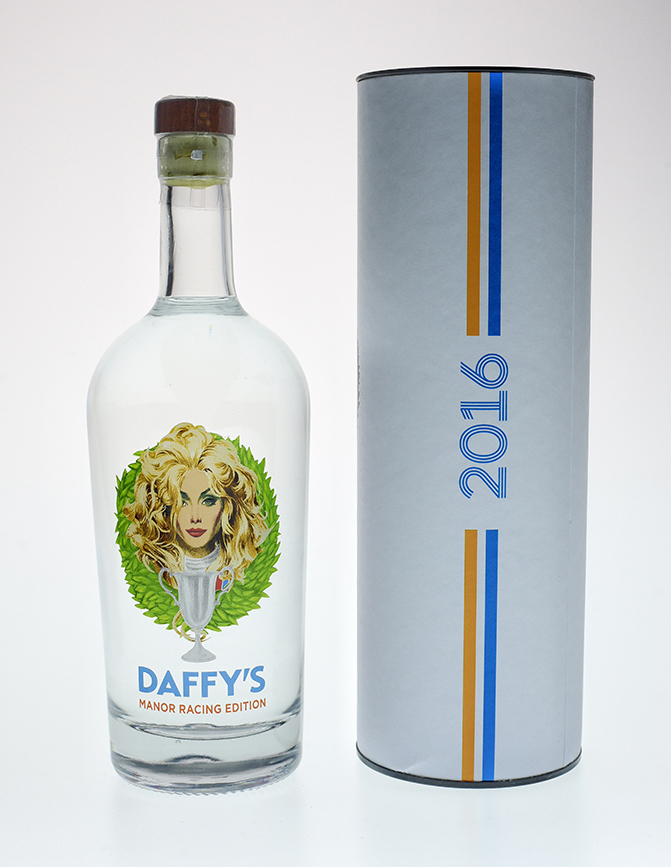 daffy's-manor-racing-limited-edition-gin-bottle