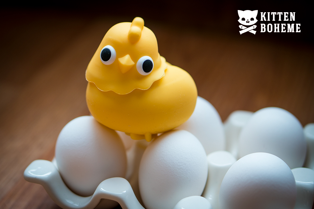 Emojibator Chickie Suction Toy Sex Toy Review by KittenBoheme.com