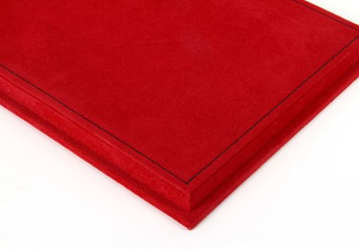 Vetrina BBR con base alcantara rossa cuciture nere 118 t