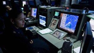 navy-radar-operator-110116-n-6320l-046