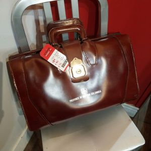 QUEEN LEATHER Leather Briefcase BAGGAGE 23143 ( Size Lrg )