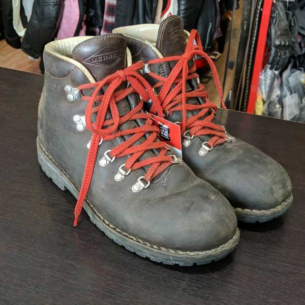 MERRELL Leather Hiking BOOTS | 25707