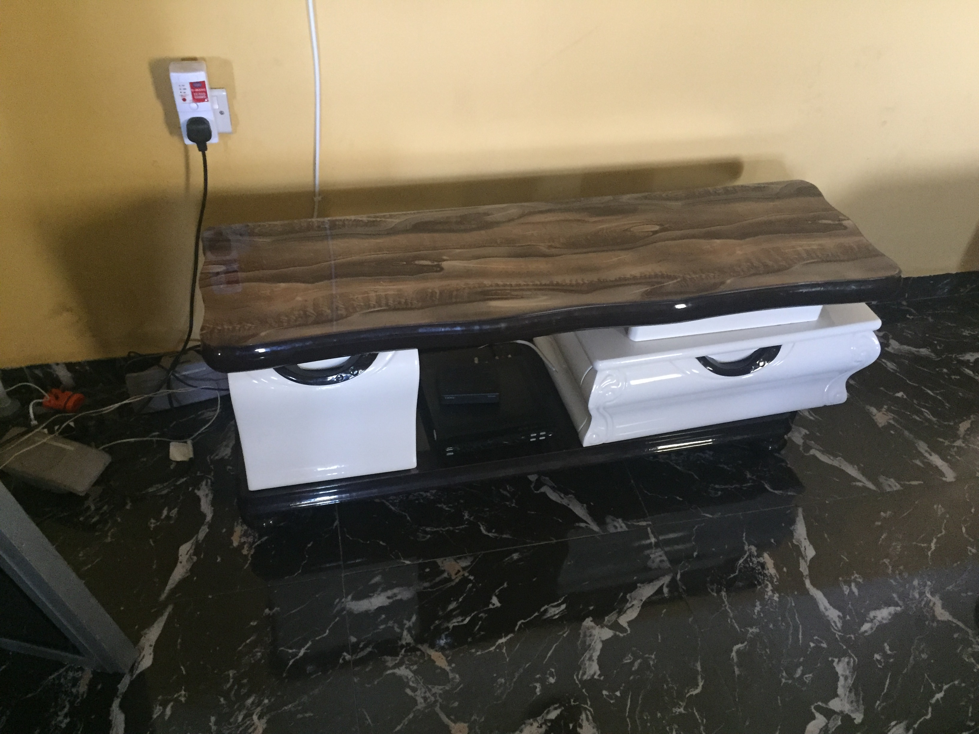 Tv stand shelve