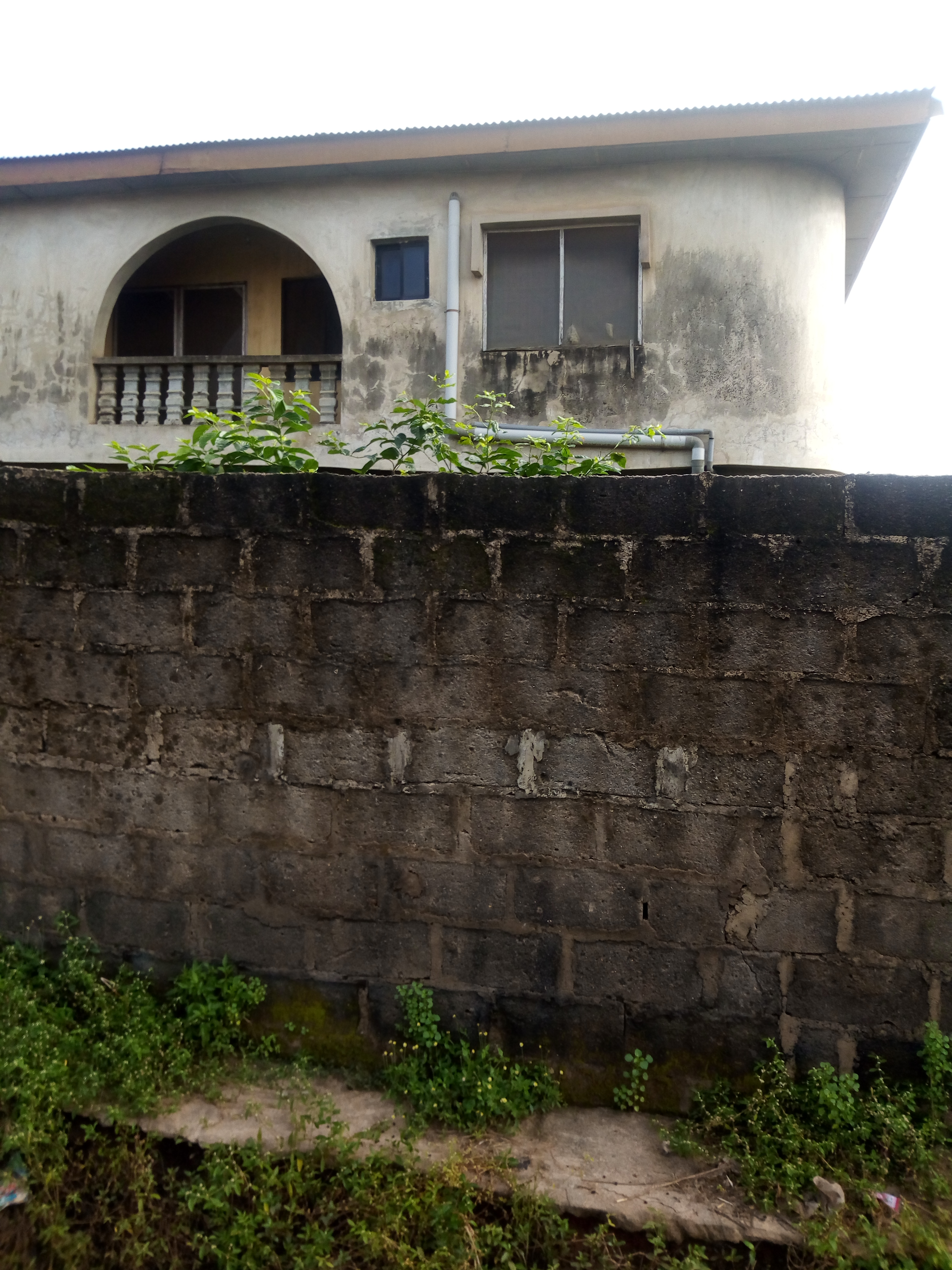 A storey building property for sale in Abule iroko,ajegunle with C of O