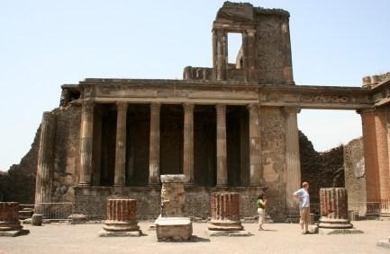 Pompeii_Basilica