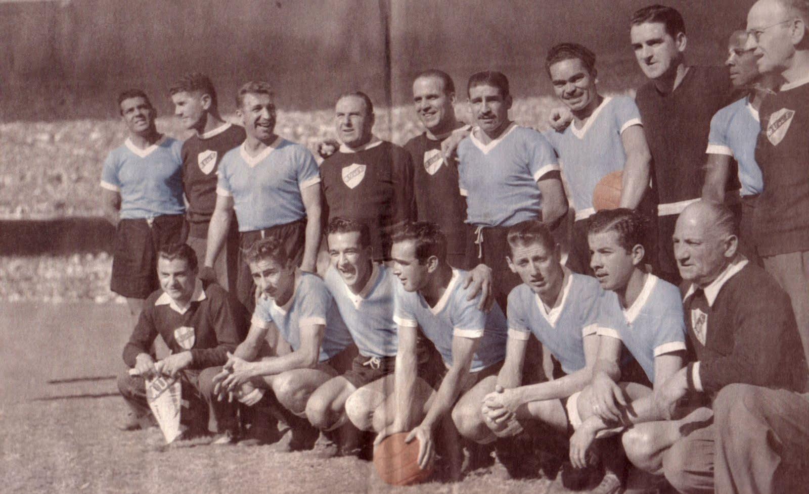 """L'Uruguay schierato in campo prima del """"Maracanazo"""""""