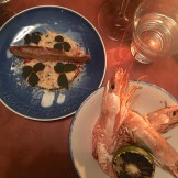 Prawns from Argentina and crab with crisp bread from Fedte Greven