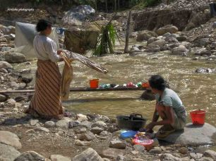 women washed their clothes in the river