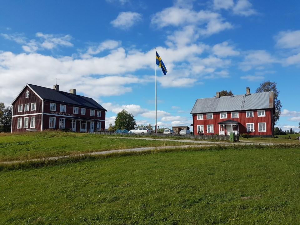 Barndomshemmet och skolan