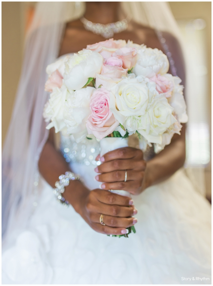 Light pink and ivory bridal bouquet photos