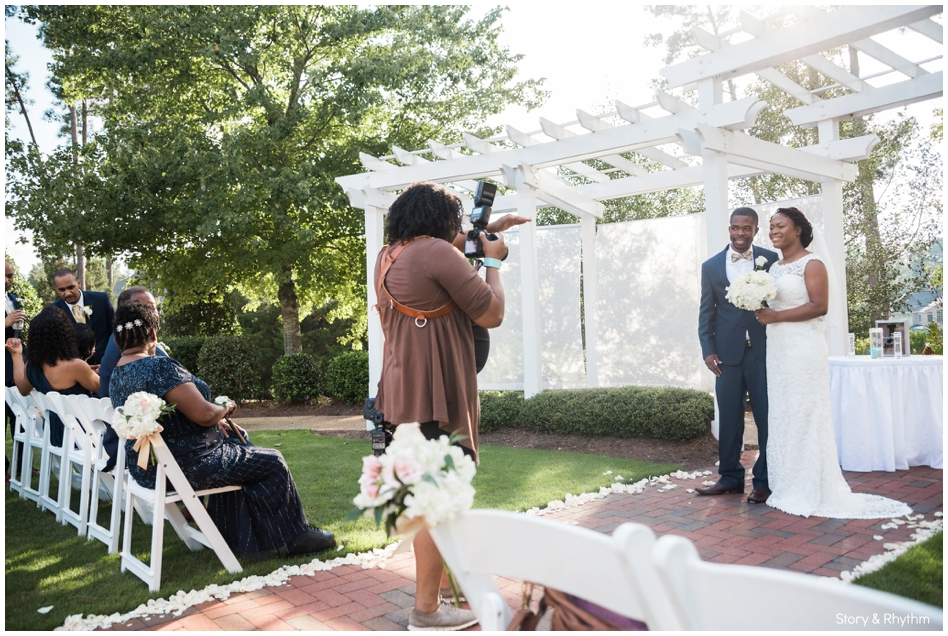 behind-the-scenes-with-a-wedding-photographer-and-dj_0712