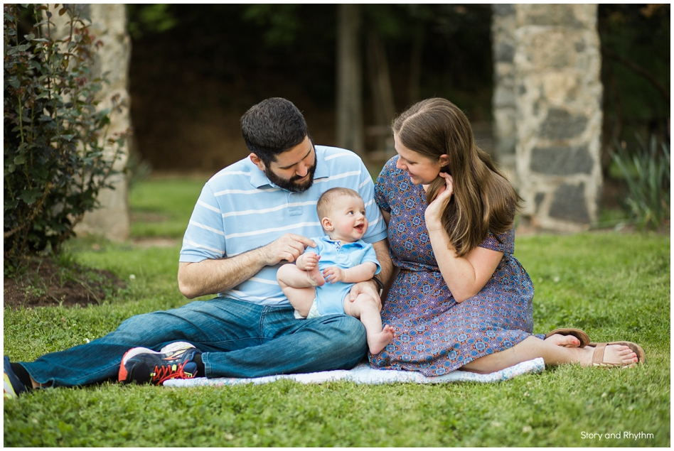 Outdoor family photos in Raleigh
