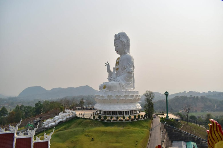 Things to do in Chiang Rai: Wat Huai Pla Kung (Big Buddha) under construction