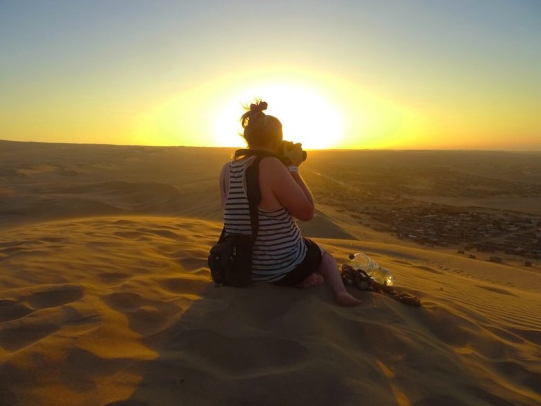 Lisa photography in Huacachina