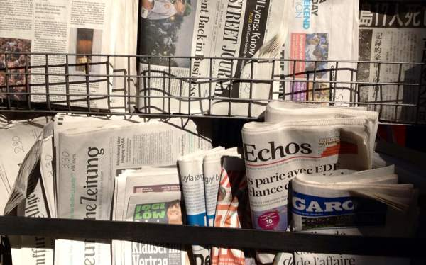 photo of newsstand in Rome