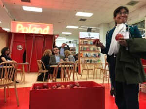 Poland offers apples for its promotion.