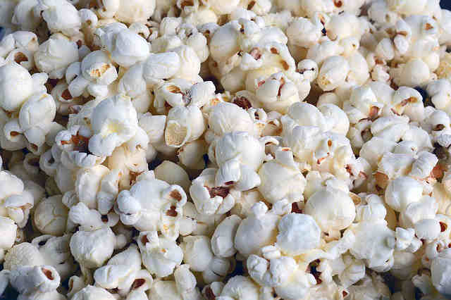 MAKING HEALTHY POPCORN - Story of My Health