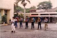 Versus Yon II : Sejarah yang Putus di Pantai Sastra