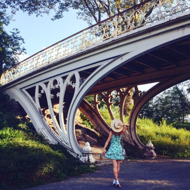 Getting lost in Central park during sunset and dancing under the Reservoir Bridge at West 94th Street - New York travel tips