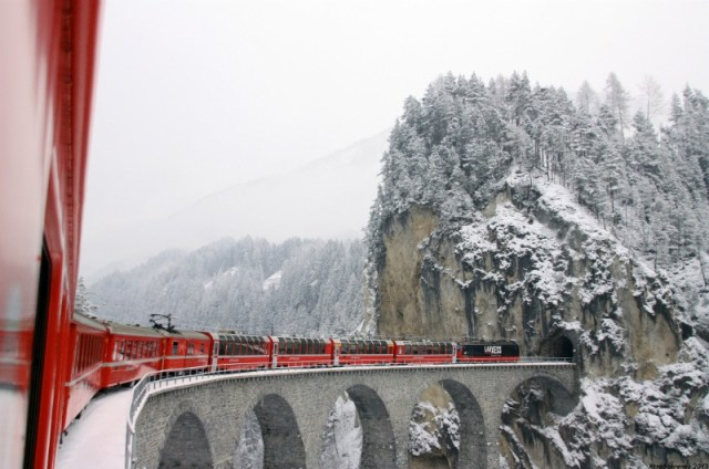 Bernia Express: Train trips in Switzerland
