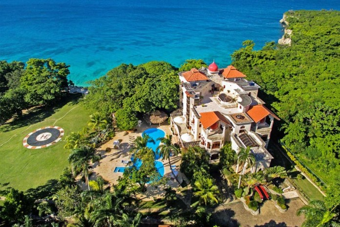 Luxury villa in The Dominican Republic - book high-end luxury villas on Airbnb