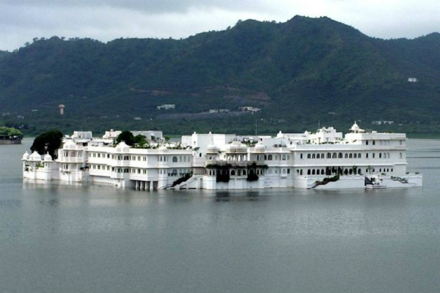 Udaipur - City of Lakes: Udaipur to Pindwara road trip