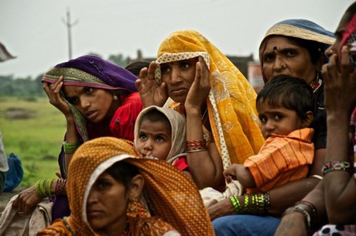 Bhil tribe women: Udaipur to Pindwara road trip