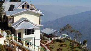 Central Nirvana Resort, Darjeeling: Why travel to India?