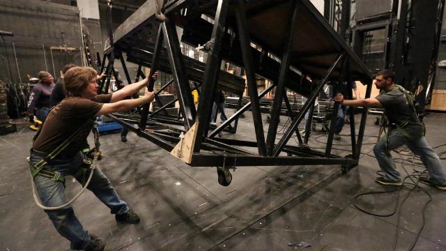 Best Travel Jobs: Stagehand