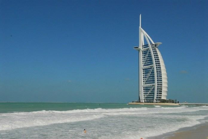 Reasons to travel to Dubai - The beaches