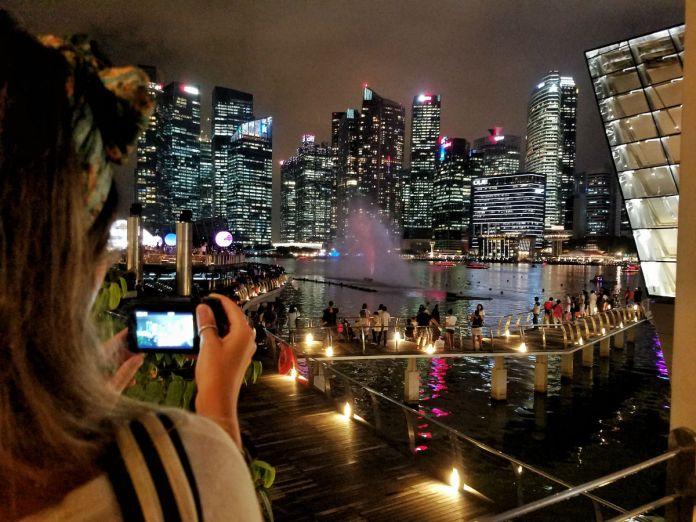 48 hour Singapore travel itinerary: Marina Bay Sands Promenade