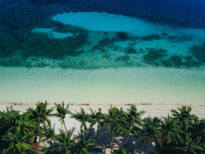 Reasons to visit the Philippines - Endless sandy beaches