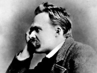 Только тот, кто строит будущее, имеет право быть судьей прошлого. Фридрих Ницше